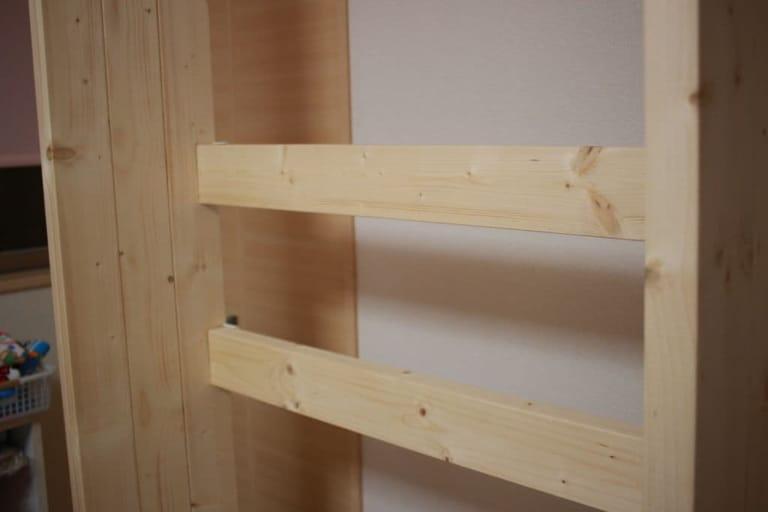 ウォリスト 補強金具でテレビ壁掛け金具用の2x4材を設置