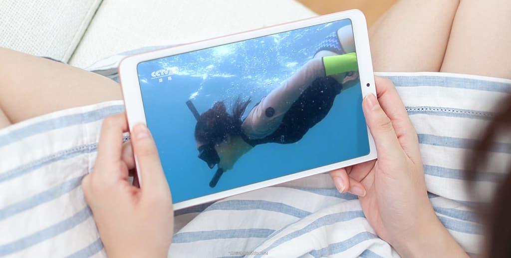 Mi Pad 4 Plusで動画を観たり音楽を聴くならイヤホン・スピーカーに接続するのがおすすめ!