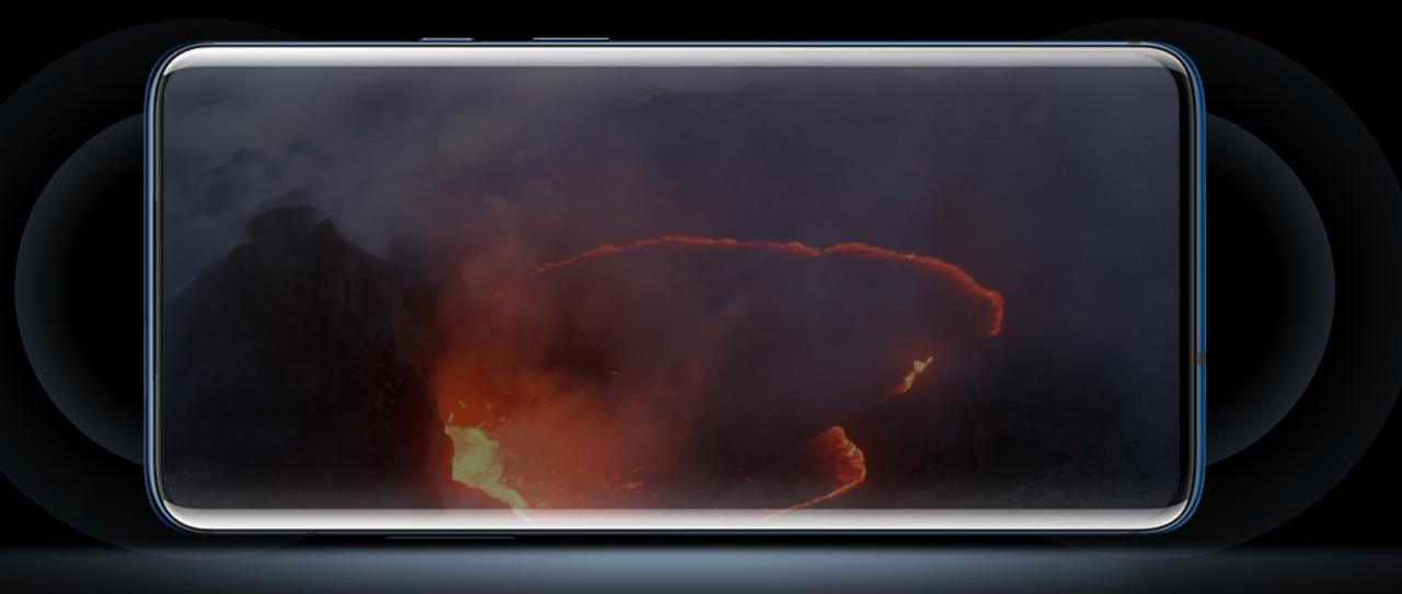 OnePlus 7 Proはデュアルステレオスピーカー搭載で映画を見たり音楽を聴くのにも最適