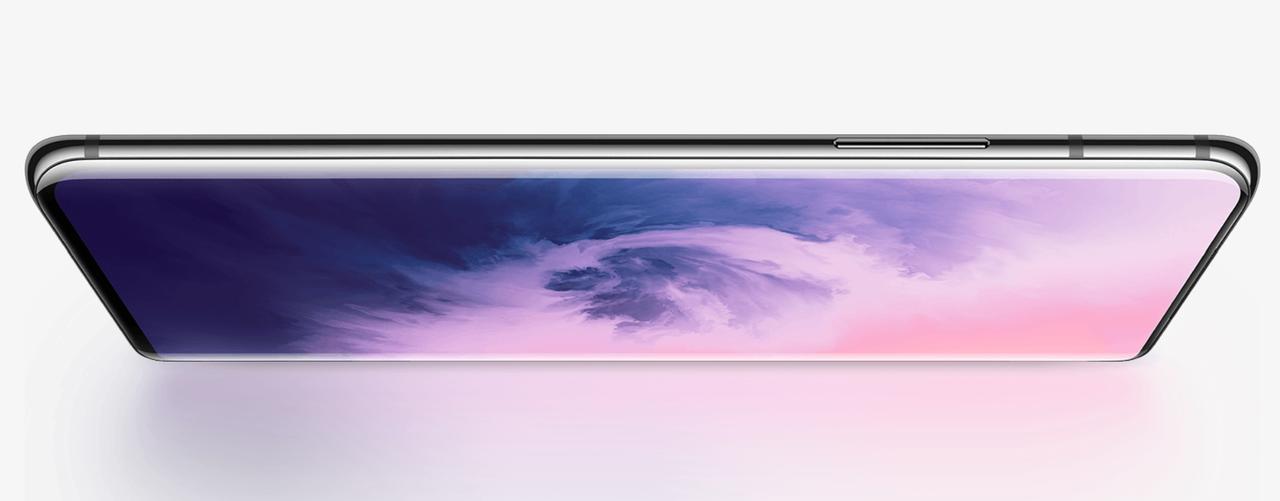 OnePlus 7 ProはQHD+の高解像度+リフレッシュレート90Hzのスムーズディスプレイ