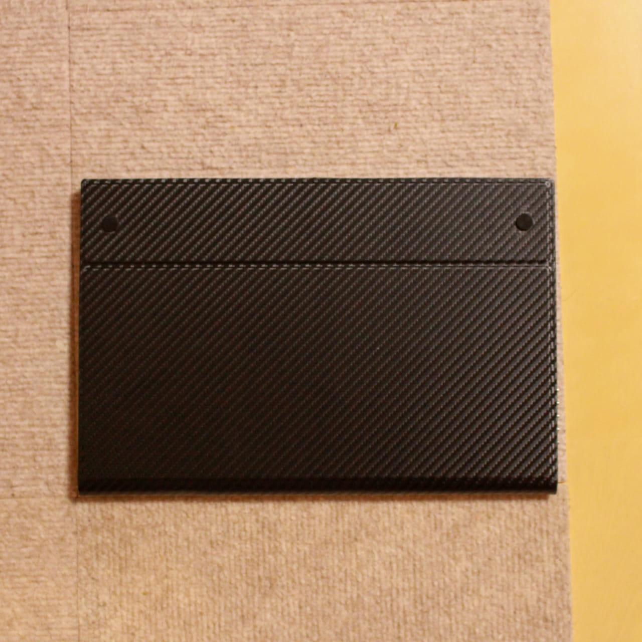 cocopar zg-125-2kpの保護カバーは裏面がネジ留めされています