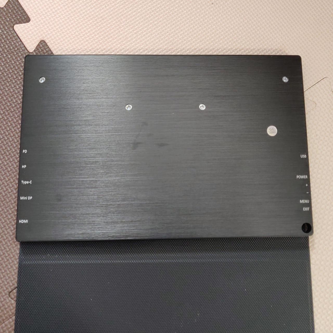 cocopar zg-125-2kpの本体裏面にポート名の記載があります